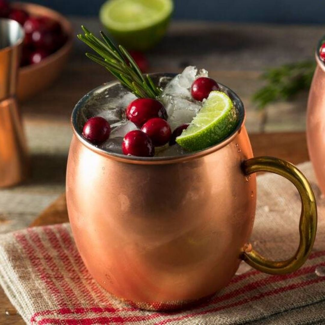 The holidays are a time of celebrating and toasting with family and friends. Join @taitfarmfoods at The Harvest Shop to find new drink ideas to help sparkle your party or family gathering. This #HVAgventures member will feature new 'pitcher' drinks as we