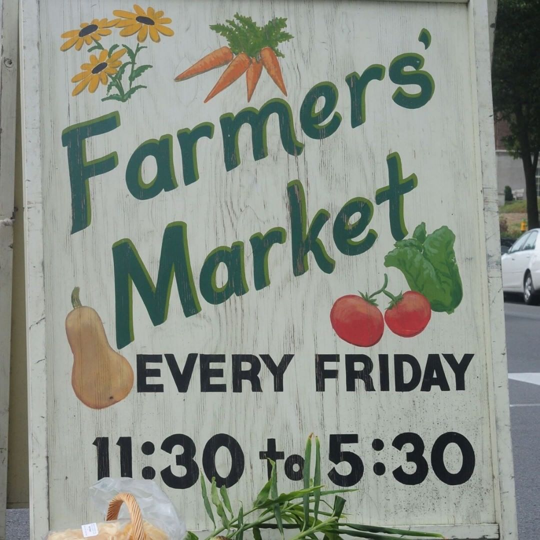 Farmer's Market Friday! Catch the @downtownfarmersmarket on Locust Lane from at 11:30 a.m. today for the last outdoor market of the season. They will close at 4:30 p.m. #HVAgventures #PATravelHappy #agriculture #explorepa #centrecounty